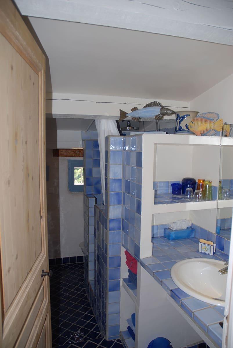 Petite Gipière's bathroom